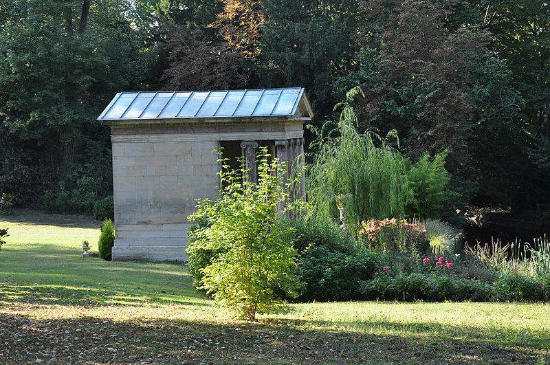 Photo du Monument Historique Temple de l'Amour situé à Rueil-Malmaison