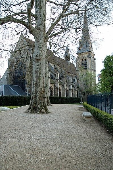 Photo du Monument Historique Eglise Saint-Jean-Baptiste situé à Sceaux