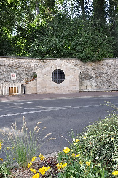 Photo du Monument Historique Fontaine du Roi situé à Ville-d'Avray