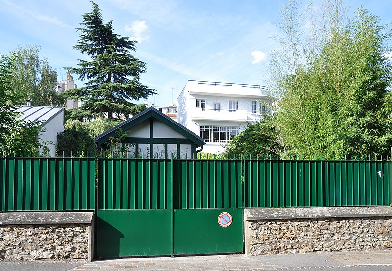 Photo du Monument Historique Villa Augier-Prouvost situé à Ville-d'Avray