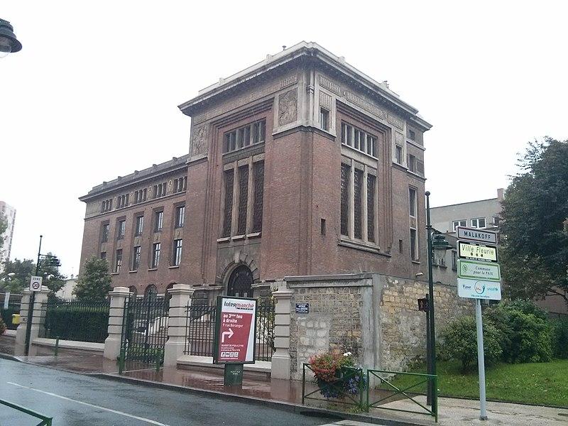 Photo du Monument Historique Ancienne Ecole Supérieure d'Électricité, actuelle Faculté de droit de l'Université René-Descartes - Paris V situé à Malakoff