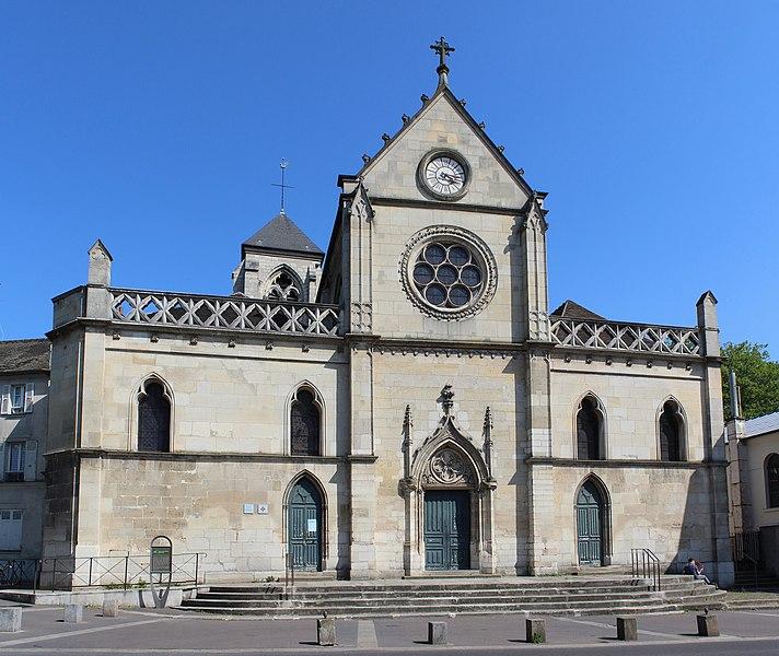 Photo du Monument Historique Eglise Saint-Pierre et Saint-Paul-du-Haut-Montreuil situé à Montreuil