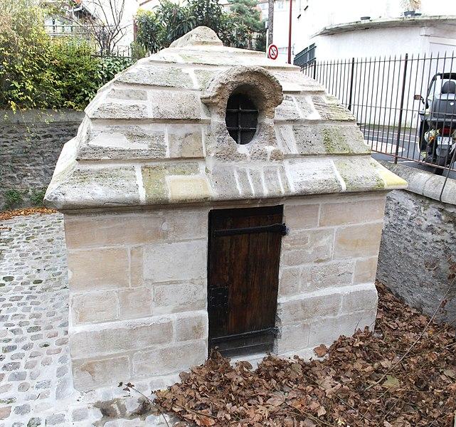 Photo du Monument Historique Eaux du Pré-Saint-Gervais : Regard du Trou-Morin situé à Le Pré-Saint-Gervais