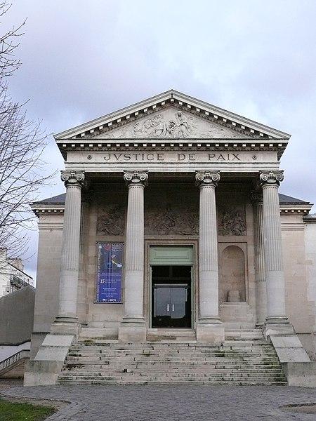 Photo du Monument Historique Carmel situé à Saint-Denis