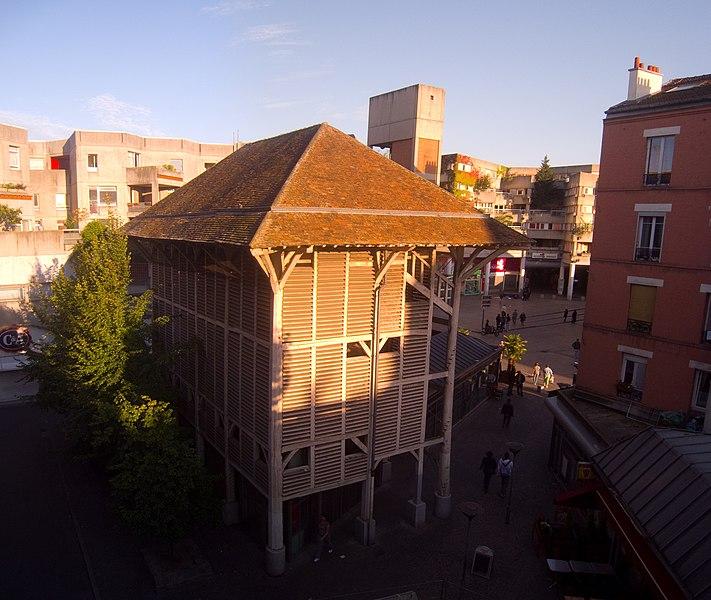 Photo du Monument Historique Maison des Arbalétriers situé à Saint-Denis