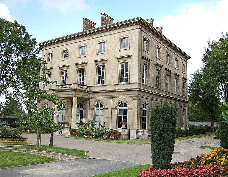 Photo du Monument Historique Château situé à Saint-Ouen