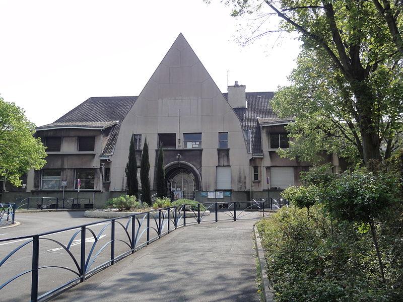 Photo du Monument Historique Groupe scolaire (école primaire de plein air et maternelle) situé à Pantin