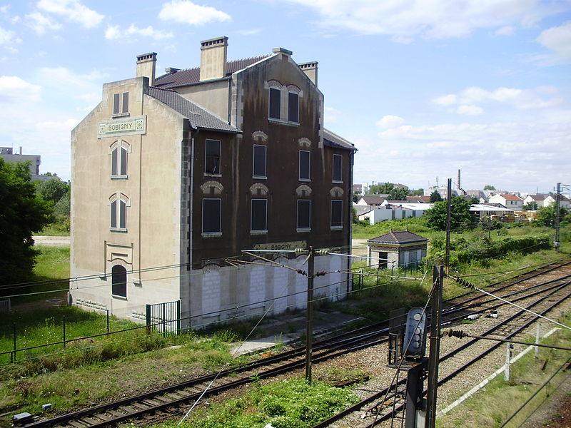 Photo du Monument Historique Ancienne gare SNCF de la Grande Ceinture situé à Bobigny