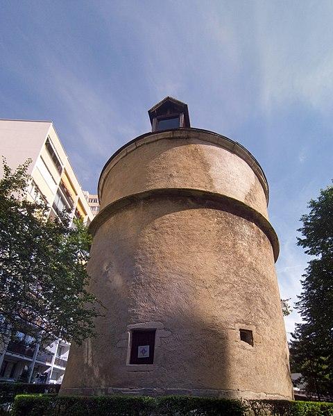 Photo du Monument Historique Colombier situé à Créteil
