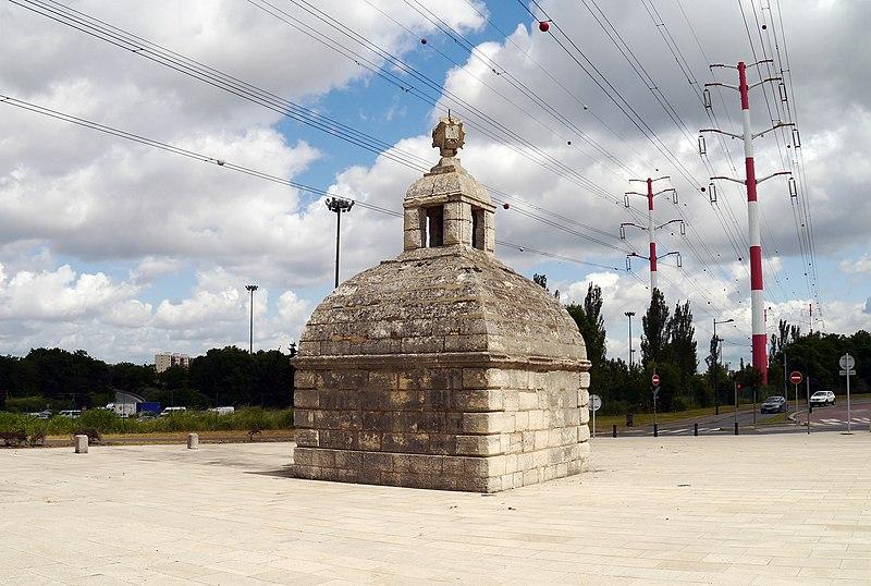 Photo du Monument Historique Aqueduc des Eaux de Rungis (également sur communes de Rungis, L'Hay-les-Roses, Cachan, Arcueil, Gentilly et Paris 14) situé à Fresnes