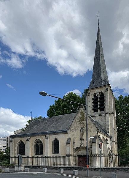 Photo du Monument Historique Eglise Saint-Saturnin situé à Gentilly