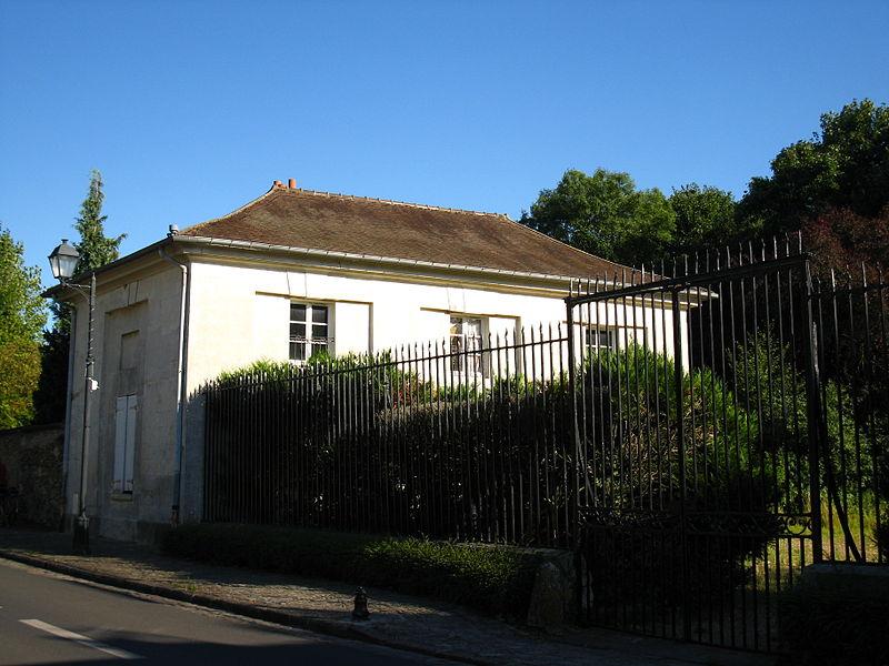 Photo du Monument Historique Château du Buisson situé à Marolles-en-Brie