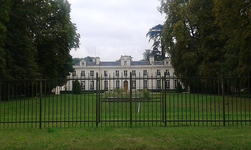 Photo du Monument Historique Château des Marmousets situé à La Queue-en-Brie