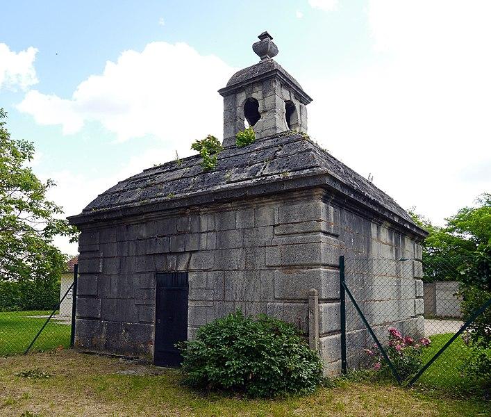 Photo du Monument Historique Aqueduc des eaux de Rungis (également sur communes de Fresnes, L'Hay-les-Roses, Cachan, Arcueil, Gentilly et Paris 14) situé à Rungis