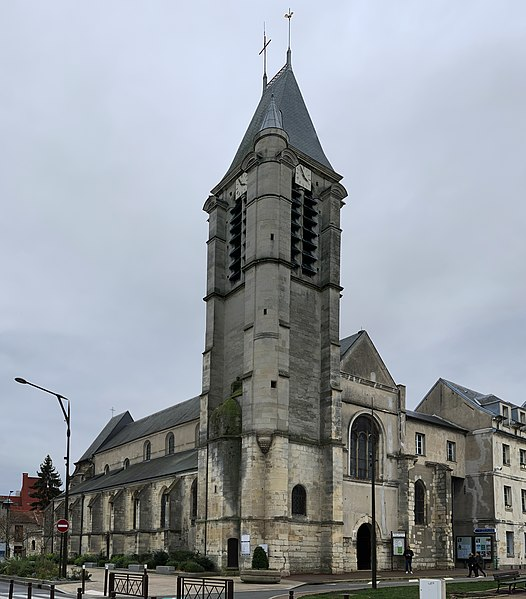 Photo du Monument Historique Eglise Saint-Cyr-Sainte-Julitte situé à Villejuif