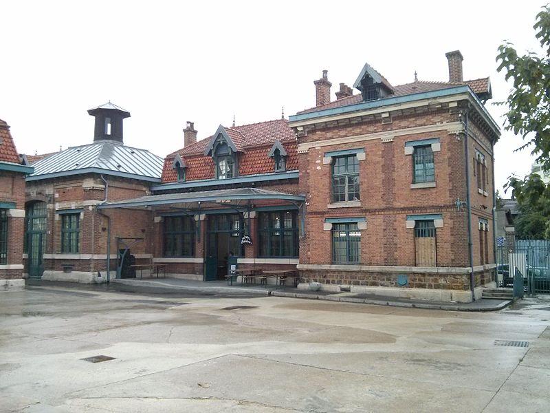 Photo du Monument Historique Ancienne usine pharmaceutique Raspail (usine Anis Gras) situé à Arcueil