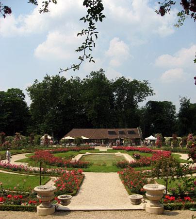 Photo du Monument Historique Roseraie du conseil général du Val-de-Marne, ancienne roseraie Gravereaux situé à L'Haÿ-les-Roses