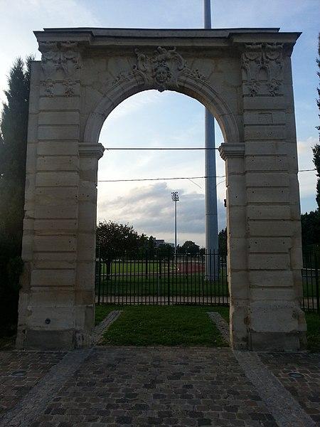 Photo du Monument Historique Château du Marais situé à Argenteuil
