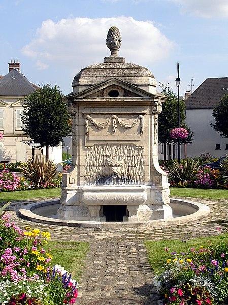 Photo du Monument Historique Fontaine du 18s situé à Arnouville-lès-Gonesse
