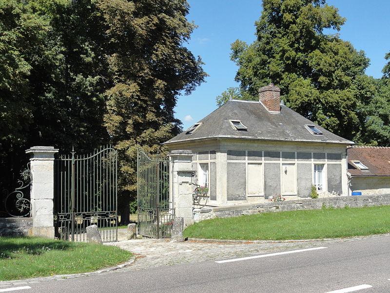 Photo du Monument Historique Domaine de Balincourt (également sur commune de Menouville) situé à Arronville