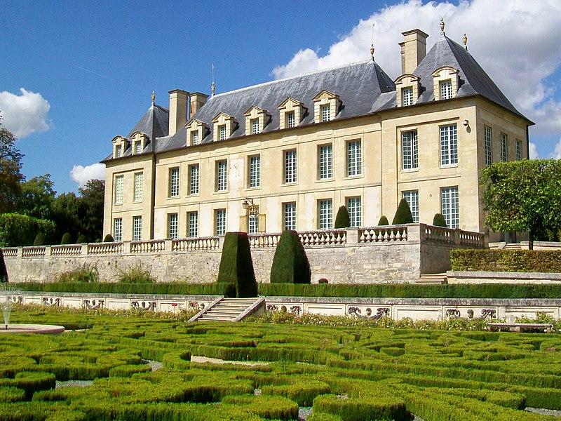 Photo du Monument Historique Château de Léry situé à Auvers-sur-Oise