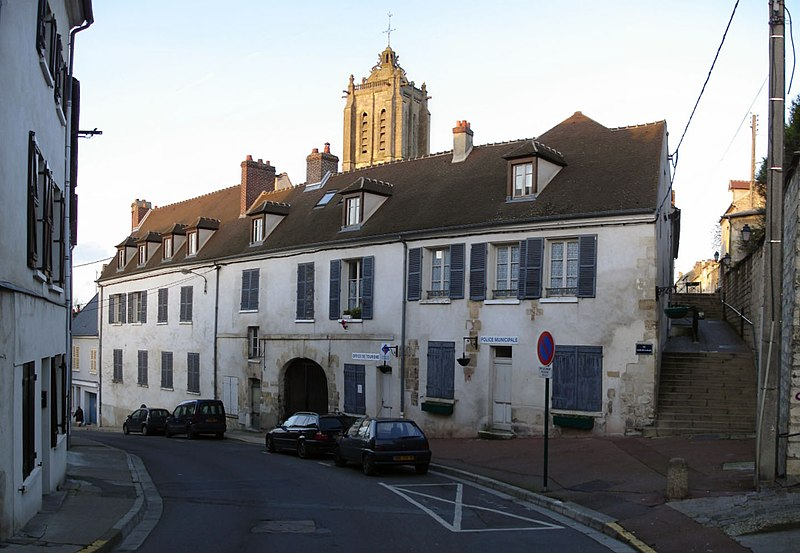 Photo du Monument Historique Relais de poste  , dit Hôtel du Croissant situé à Beaumont-sur-Oise
