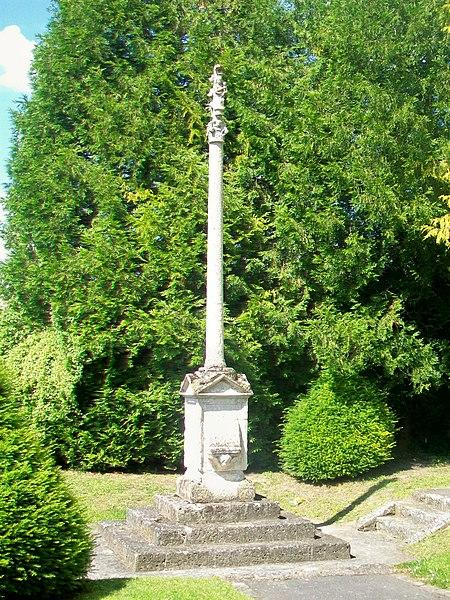 Photo du Monument Historique Calvaire de pierre du 16s situé à Champagne-sur-Oise