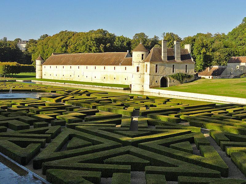 Photo du Monument Historique Domaine de Villarceaux situé à Chaussy