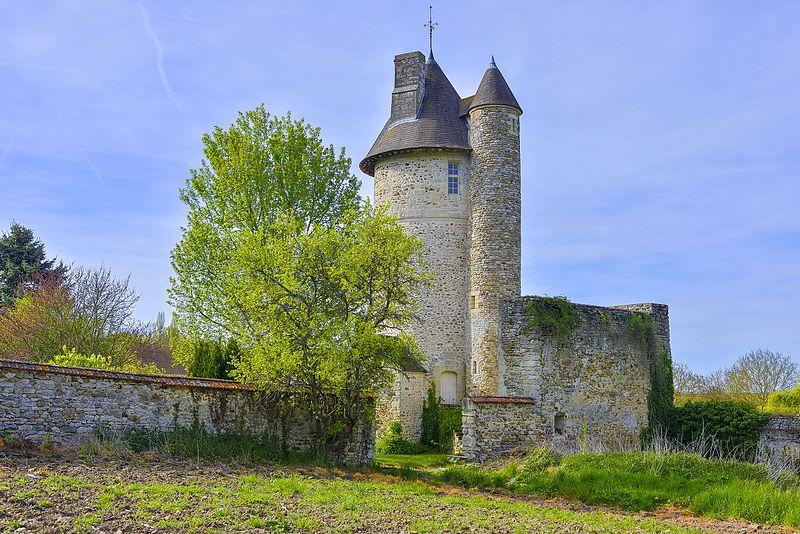 Photo du Monument Historique Tour de Méré situé à Chaussy
