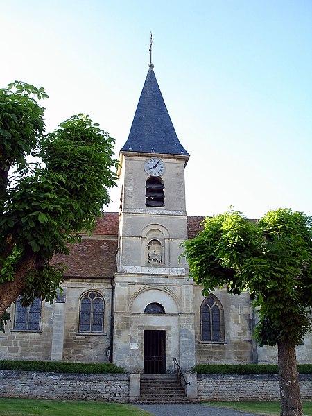 Photo du Monument Historique Eglise situé à Commeny