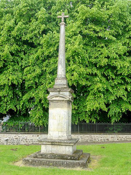 Photo du Monument Historique Croix de l'ancien cimetière situé à Ennery