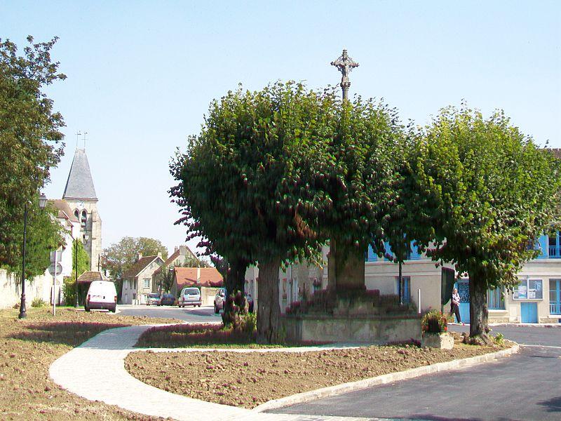 Photo du Monument Historique Croix de chemin situé à Epiais-lès-Louvres