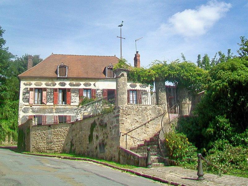 Photo du Monument Historique Presbytère situé à Frémainville