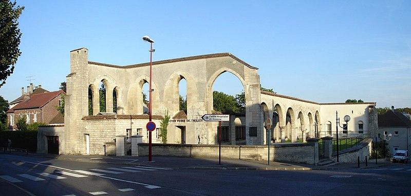 Photo du Monument Historique Ancien hôtel-Dieu situé à Gonesse