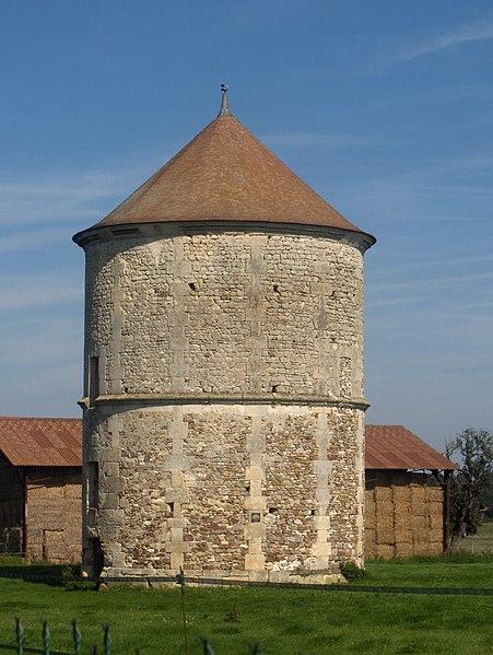 Photo du Monument Historique Colombier situé à Haravilliers