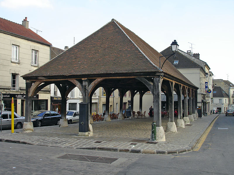 Photo du Monument Historique Halle situé à Luzarches