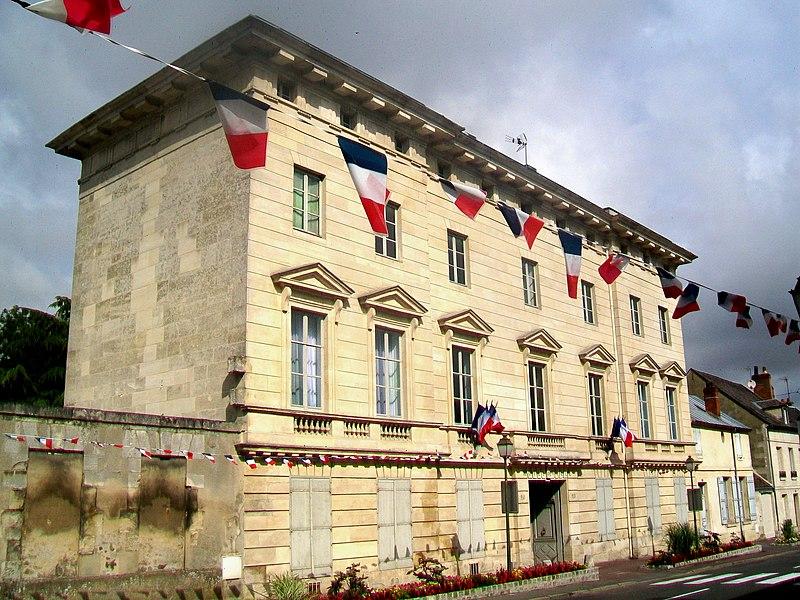 Photo du Monument Historique Hôtel de Crosne situé à Magny-en-Vexin