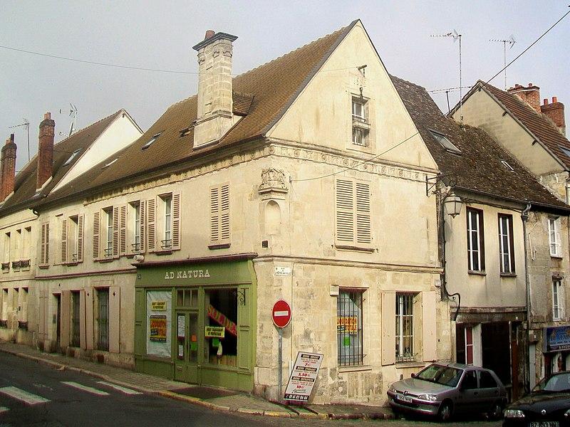 Photo du Monument Historique Maison dite de Henri II situé à Magny-en-Vexin