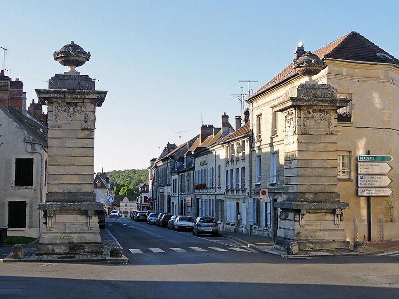 Photo du Monument Historique Deux piliers situé à Magny-en-Vexin
