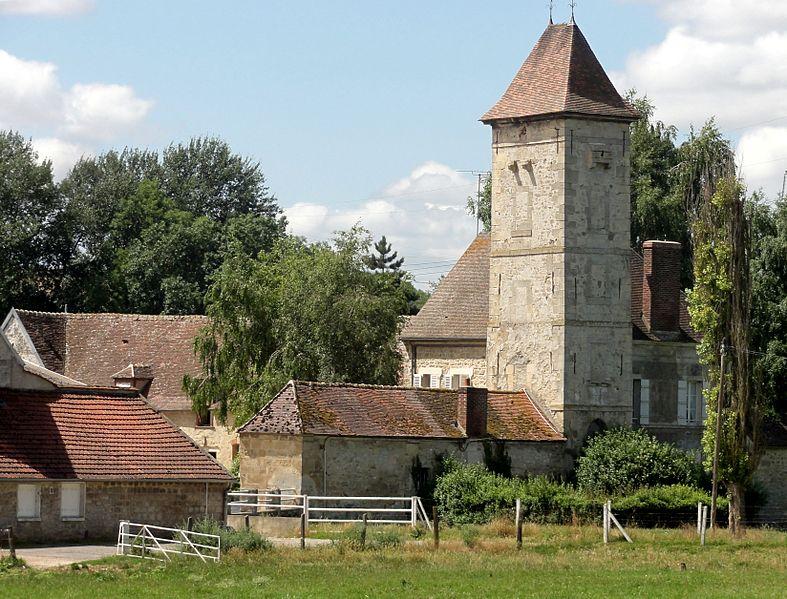 Photo du Monument Historique Tour de Santeuil situé à Nesles-la-Vallée