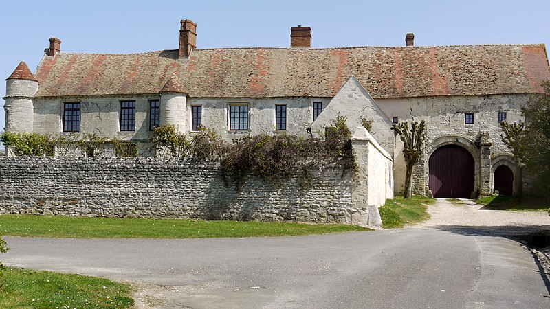 Photo du Monument Historique Manoir de Mornay-Villarceaux situé à Omerville