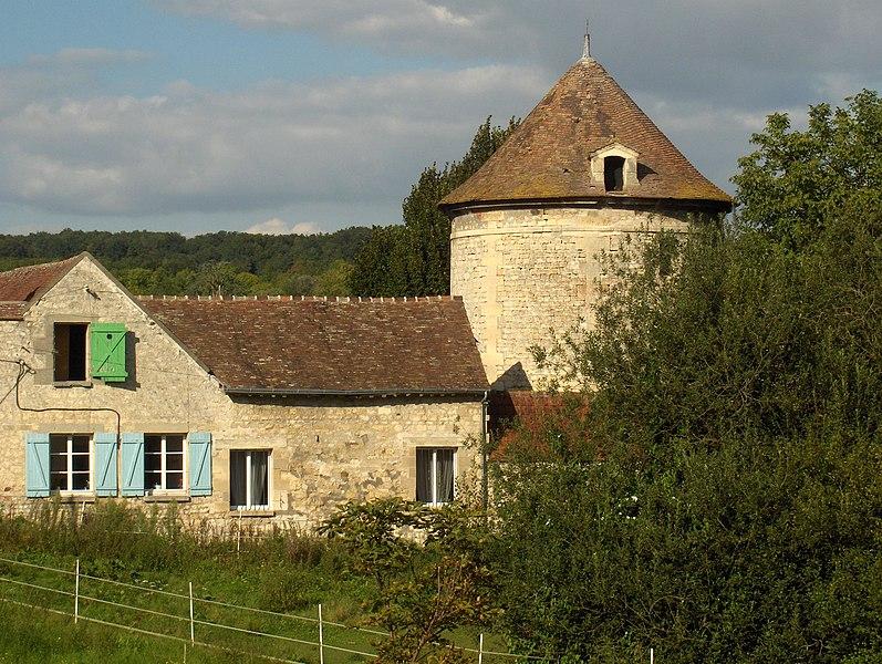 Photo du Monument Historique Colombier ou pigeonnier de Boulonville situé à Parmain