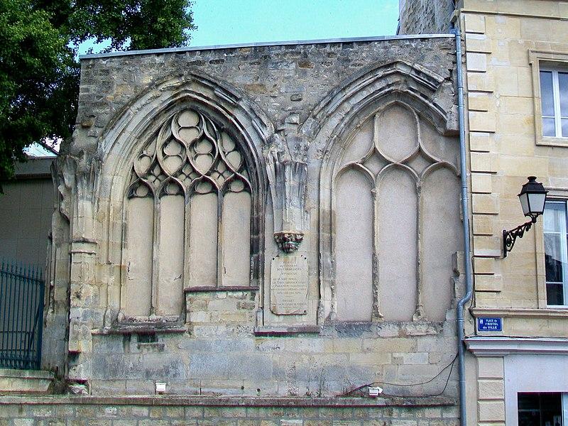 Photo du Monument Historique Chapelle des Cordeliers situé à Pontoise