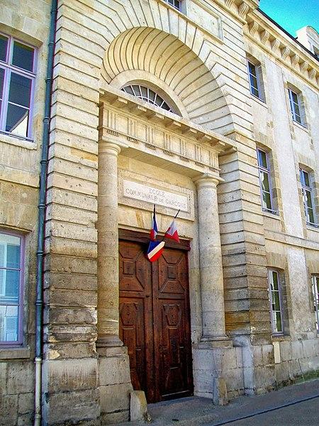 Photo du Monument Historique Hôpital des Enfermés situé à Pontoise