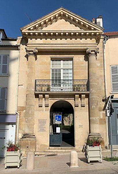 Photo du Monument Historique Jardin Public situé à Pontoise