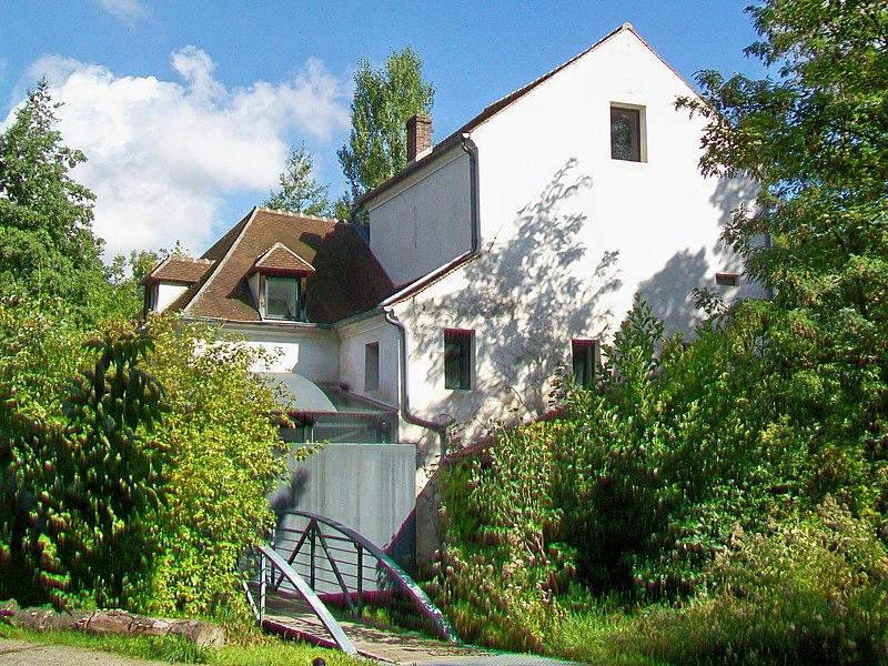 Photo du Monument Historique Moulin des Patis ou de la Couleuvre situé à Pontoise