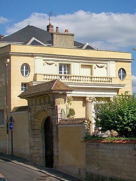 Photo du Monument Historique Sous-préfecture situé à Pontoise