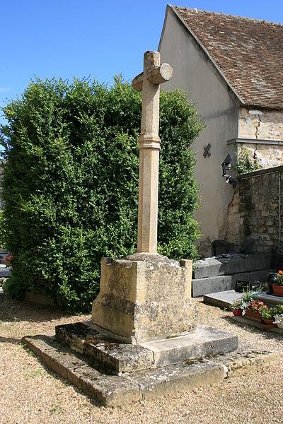 Photo du Monument Historique Croix en pierre du 14s situé à Puiseux-Pontoise