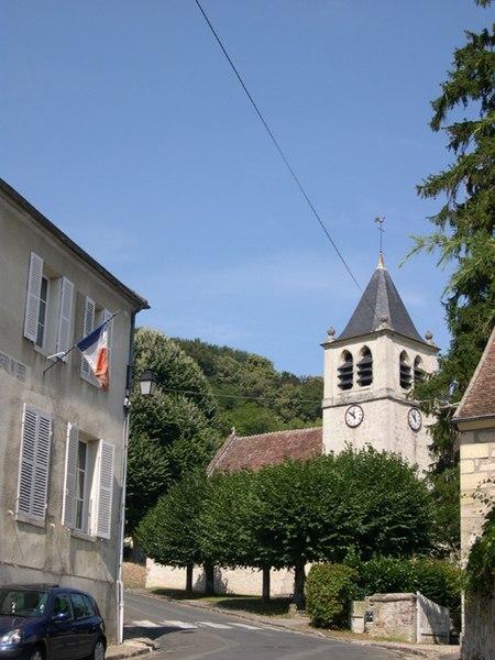 Photo du Monument Historique Eglise situé à Ronquerolles