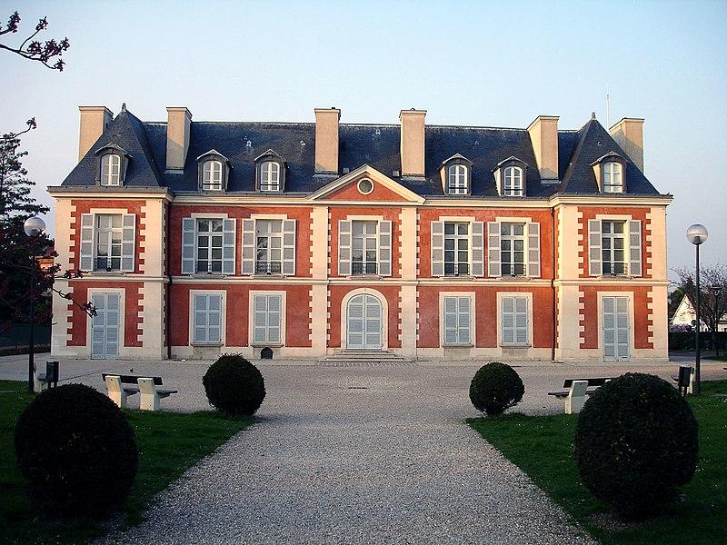 Photo du Monument Historique Château du Maréchal de Catinat situé à Saint-Gratien